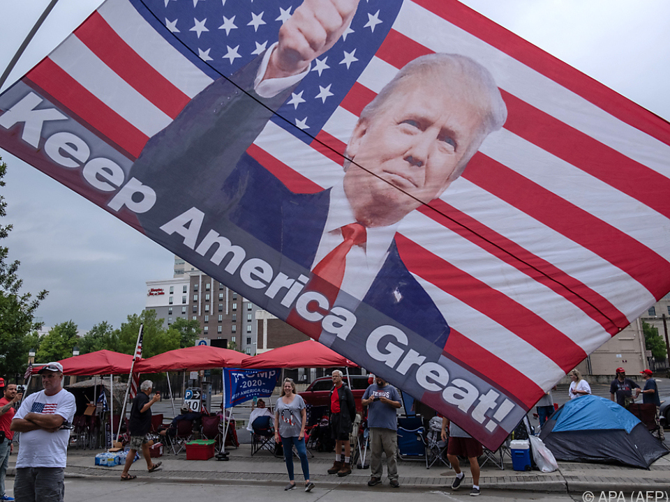 Trump-Anhänger freuen sich auf den Besuch des US-Präsidenten