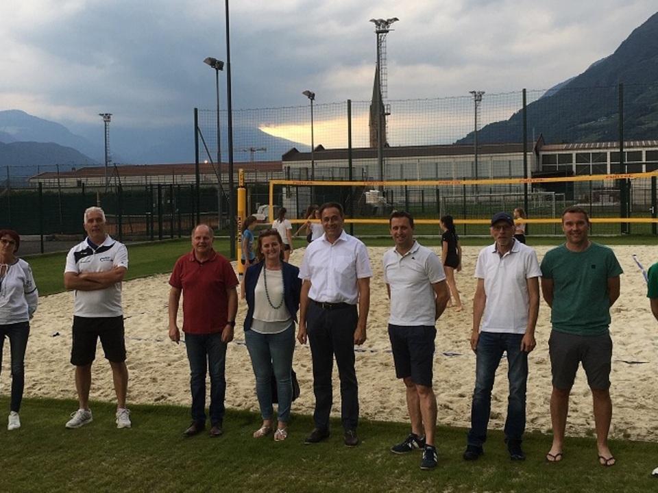 Uebergabe Beach Volleyball Anlage