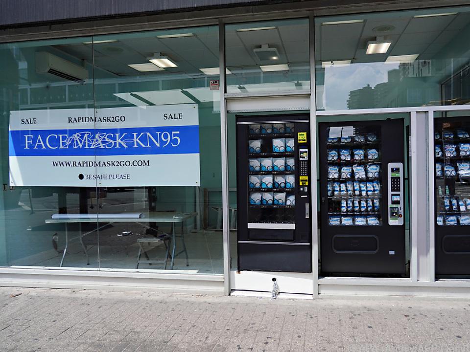 Verkauf von Masken mittels Maschinen