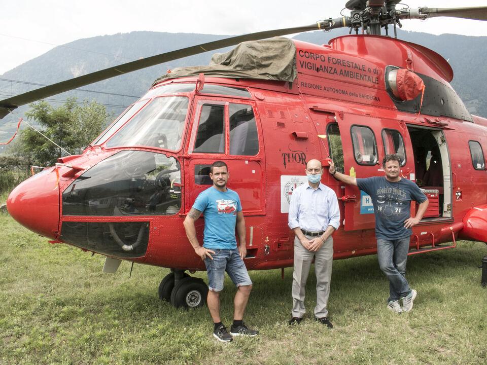 Von links Hubschrauberpilot Michael Auer + Nerio Zaccaria + Helmuth Zingerle