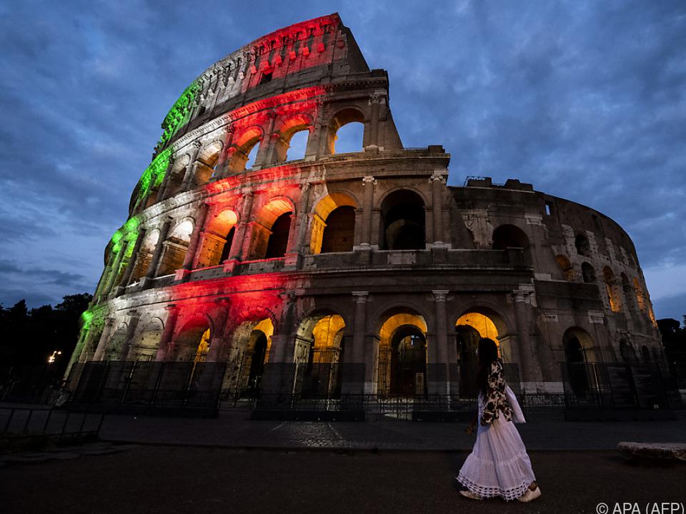 Weltbekanntes Kolosseum im Herzen Roms