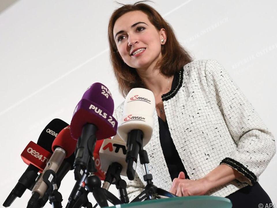 Zadic will das Einverständnis der Staatsanwaltschaft abwarten