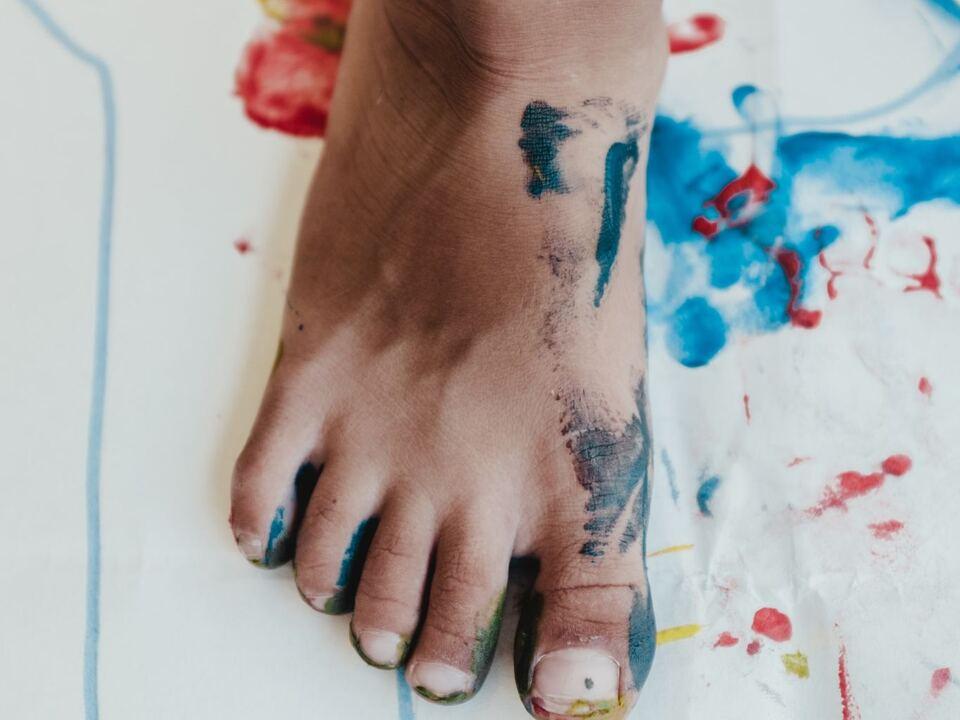 Fuß Farbe Kind Spiel Betreuung Freizeit