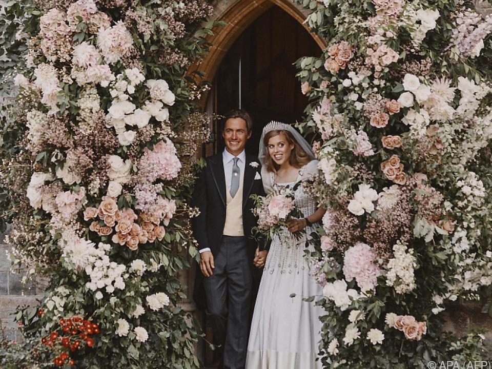 Alles blumig bei Prinzessin Beatrice und Edoardo Mapelli Mozzi