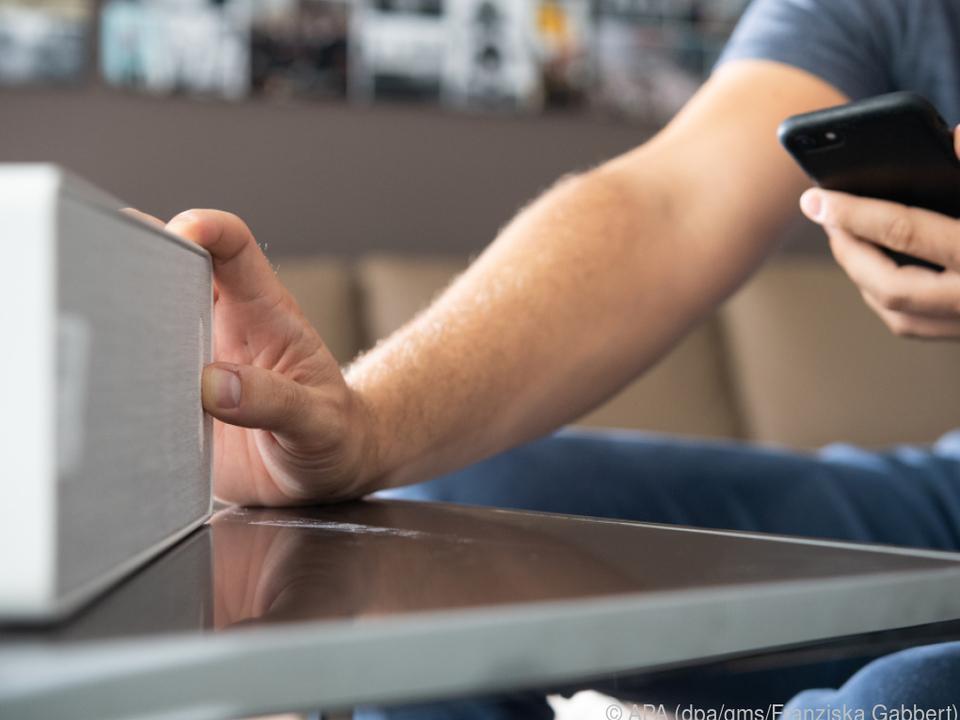 Ausgediente Smartphones können auch als Zuspieler oder Fernbedienung dienen