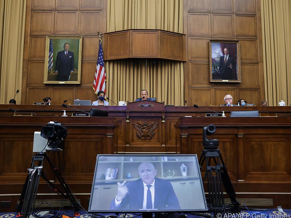 Amazon-Chef Bezos während seiner Aussage im US-Kongress