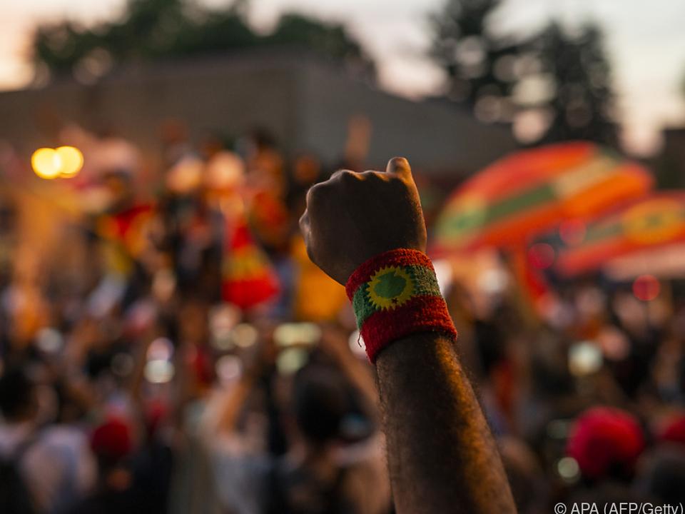 Armband mit Oromo-Flaggensymbol