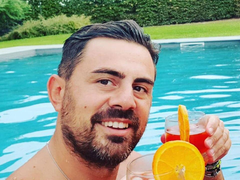 Giuseppe Montella, detto \'Peppe\', 37 anni, napoletano, il leader del gruppetto di carabinieri accusati di pestaggi, estorsioni, spaccio e anche di tortura, in una foto presa dal suo profilo Facebook, 23 luglio 2020. FACEBOOK +++ ATTENZIONE LA FOTO NON PUO ESSERE PUBBLICATA O RIPRODOTTA SENZA LAUTORIZZAZIONE DELLA FONTE DI ORIGINE CUI SI RINVIA +++ ++ HO - NO SALES, EDITORIAL USE ONLY ++Carabiniere Piacenza - Peppe Montella, athesiadruck2_20200726151629610