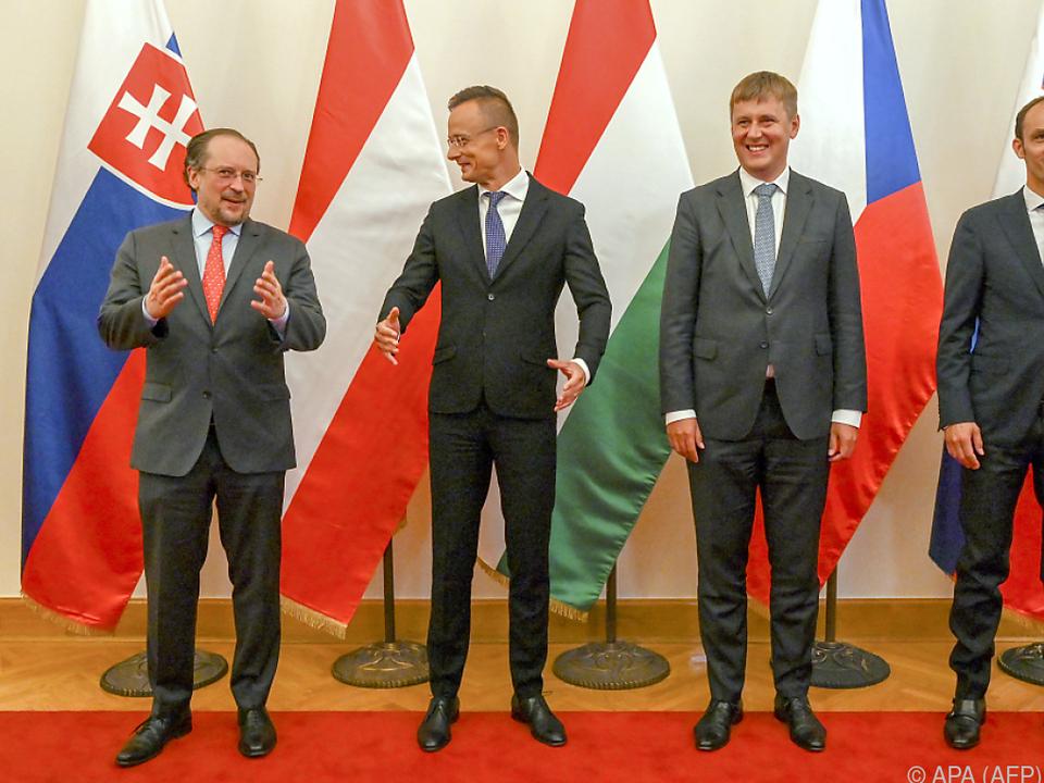 Außenminister Schallenberg (ÖVP) mit seinen Amtskollegen