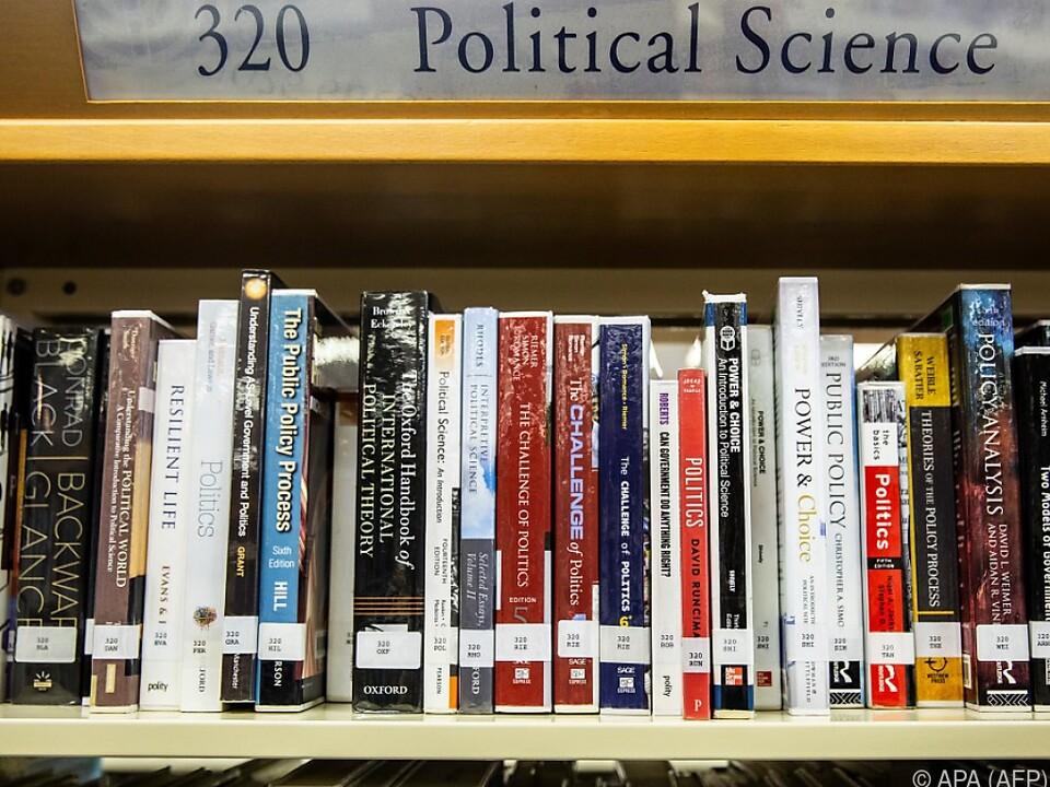 Bücher von Hongkonger Aktivisten verschwinden aus Büchereien