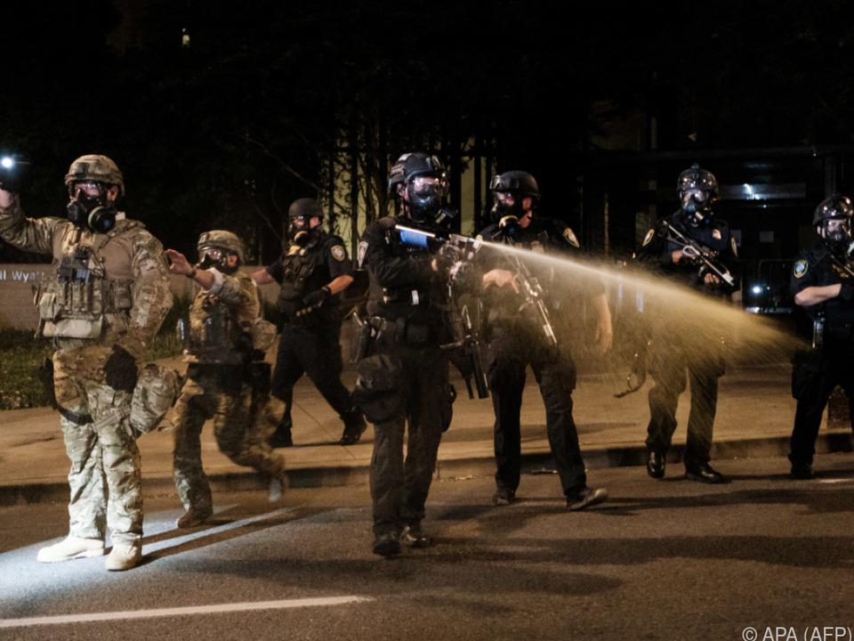 Proteste in Portland/Oregon: Massive Kritik an Einsatz von Polizisten