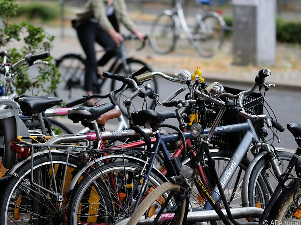 Das Fahrrad ist das Verkehrsmittel der Stunde sym