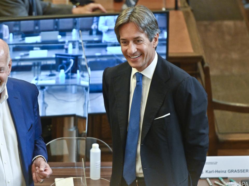 Der Angeklagte Grasser mit Anwalt Manfred Ainedter