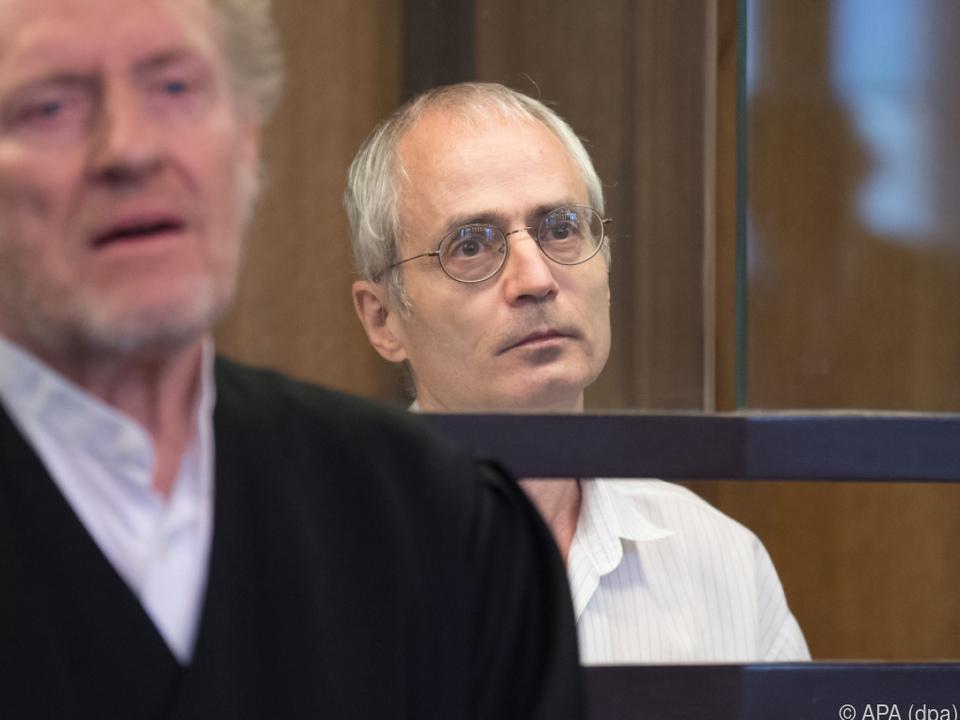 Der Angeklagte soll den Chefarzt von Weizsäcker erstochen haben