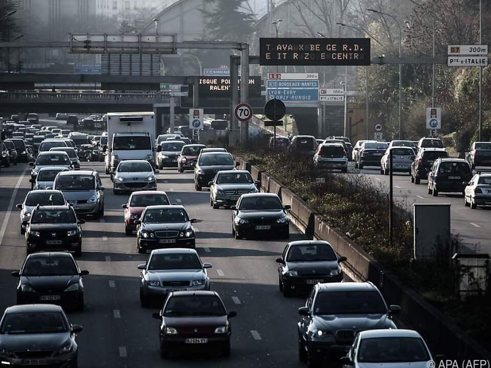 Der Straßenverkehr gilt als bedeutende Quelle für Kunststoffpartikel