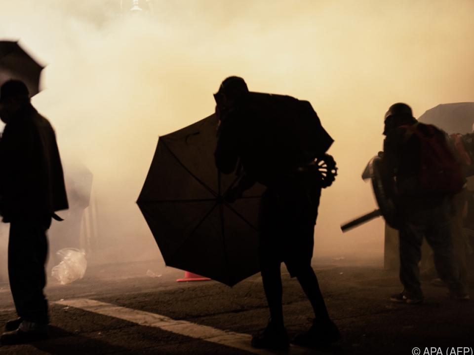 Die Polizei setzte erneut Tränengas ein