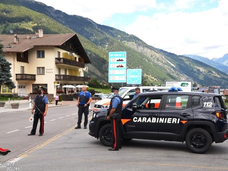 Carabinieri Taufers Vinschgau Grenze