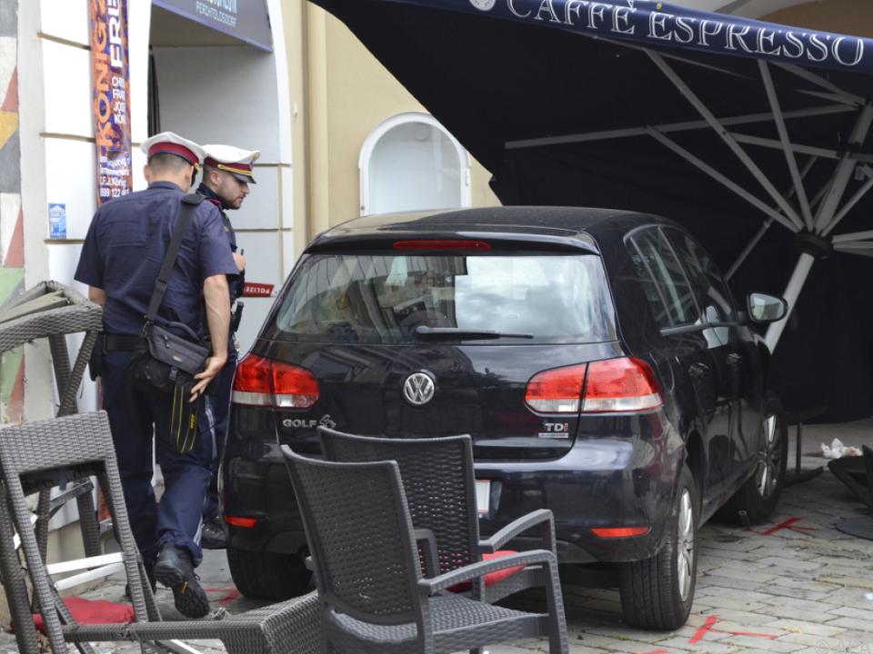 Eine betagte Lenkerin verlor wohl die Kontrolle über ihr Fahrzeug