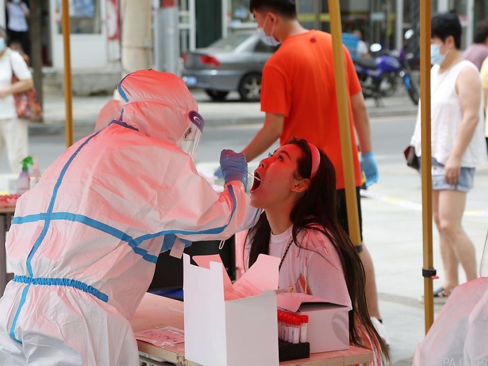 Hunderttausende werden in Dalian getestet