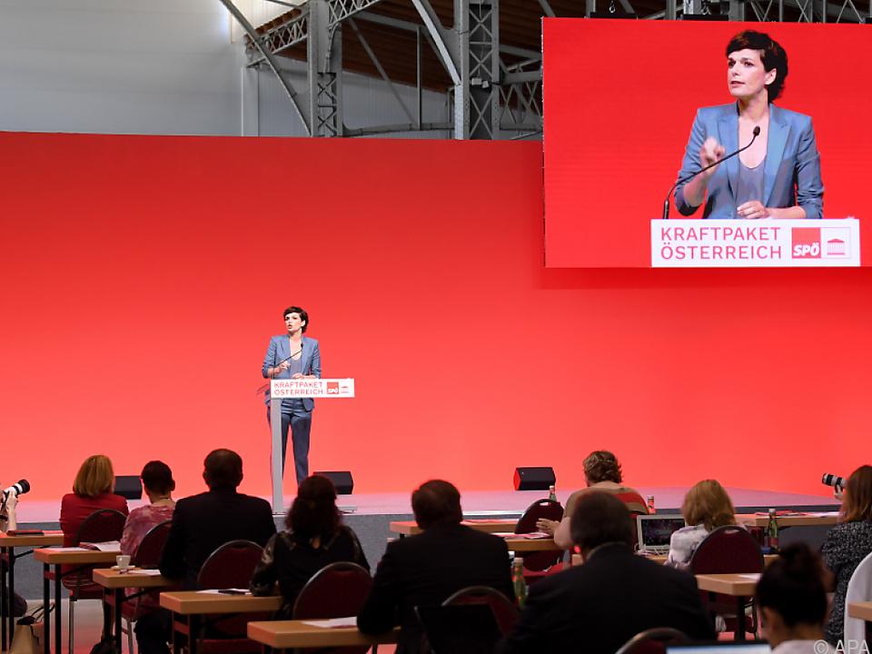 Pamela Rendi-Wagner will den Wirtschaftsabschwung bekämpfen