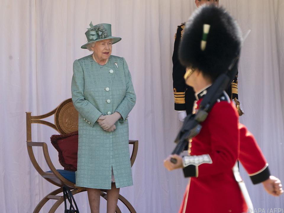 Queen Elizabeth II. ist eine Gin-Liebhaberin