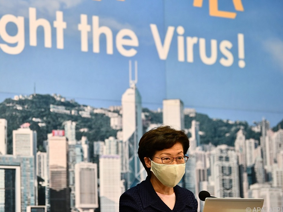 Regierungschefin Carrie Lam nutzt Pandemie als Grund für Verschiebung der Wahl