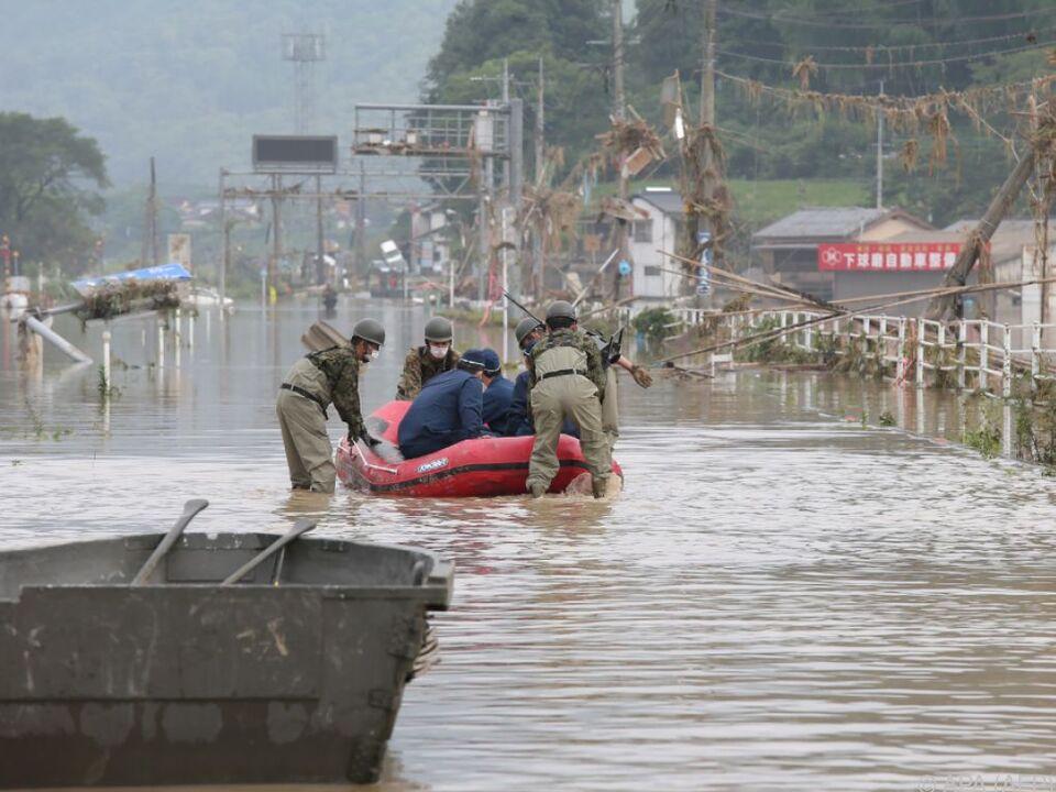 Rekordregenfälle brachten Überflutungen und Erdrutsche