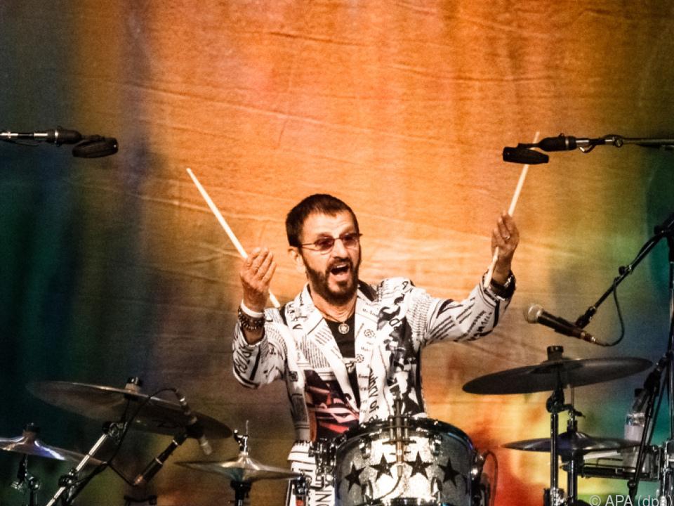Ringo Starr steht immer noch auf der Bühne