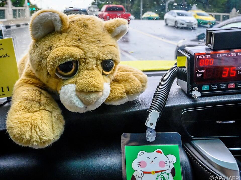 Schleppende Geschäfte auch für Bangkoks Taxifahrer