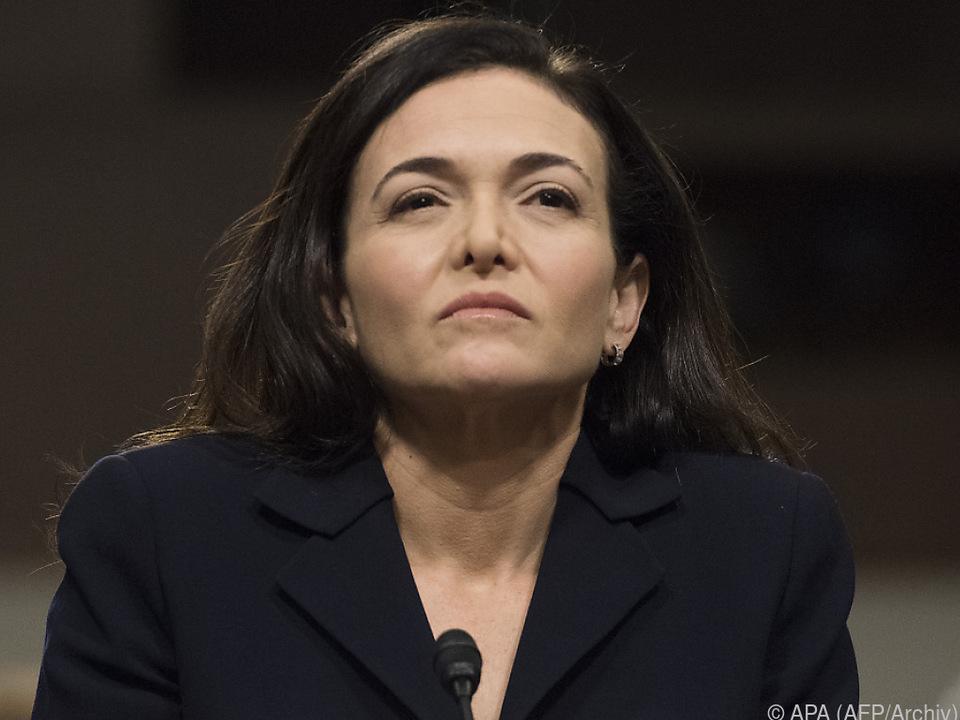 Sheryl Sandberg reagiert ausweichend