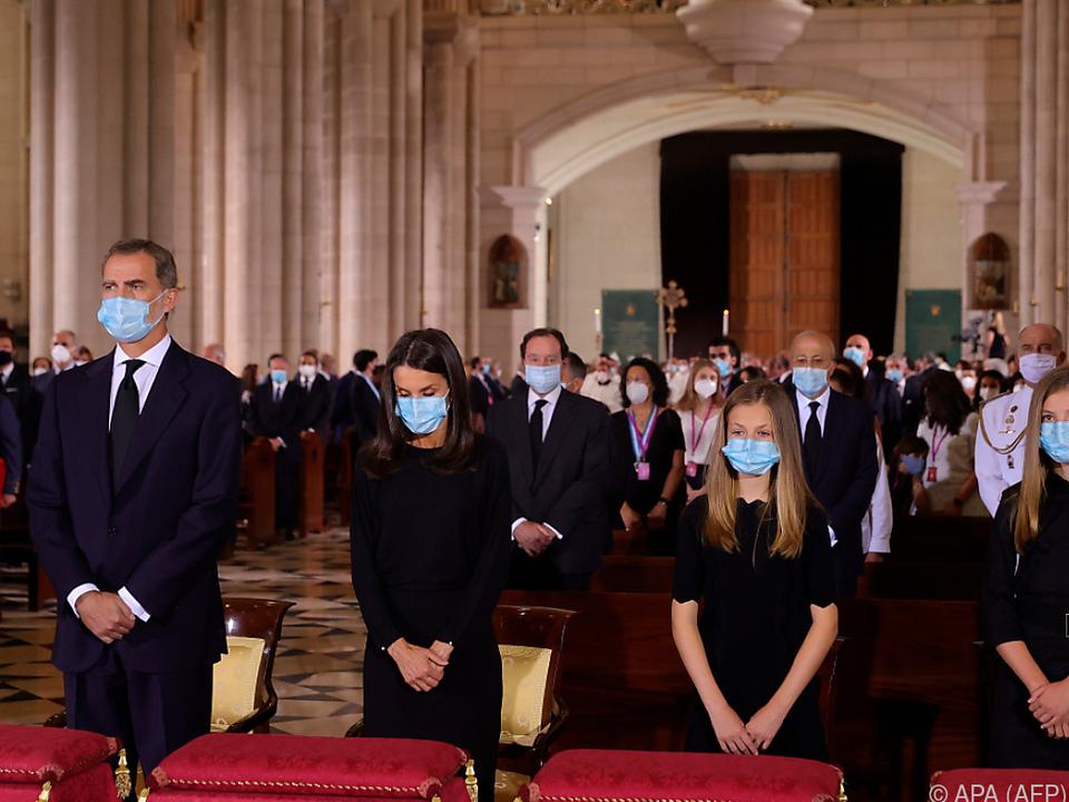 Spanische Königsfamilie nahm an der Messe teil