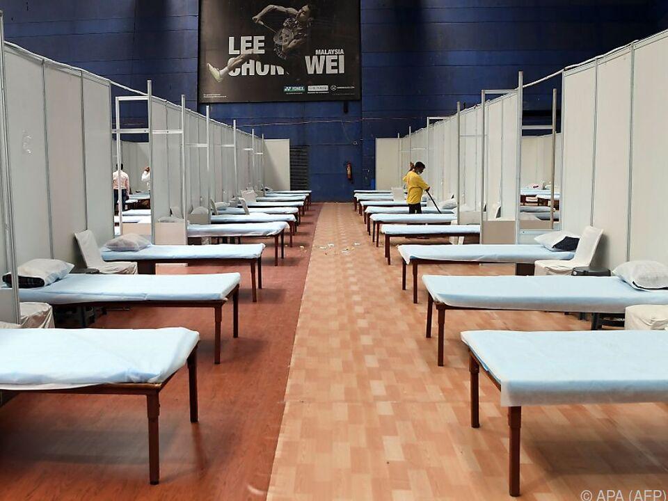 Temporäre Corona-Krankenhäuser wurden eingerichtet