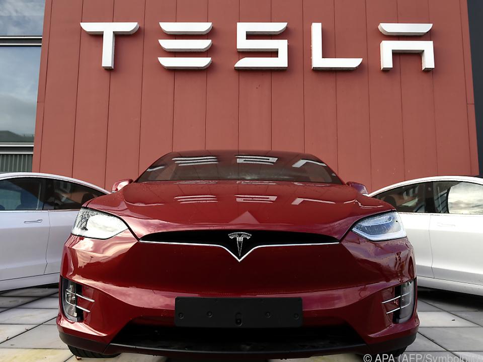 Tesla ist 210 Mrd. Dollar wert