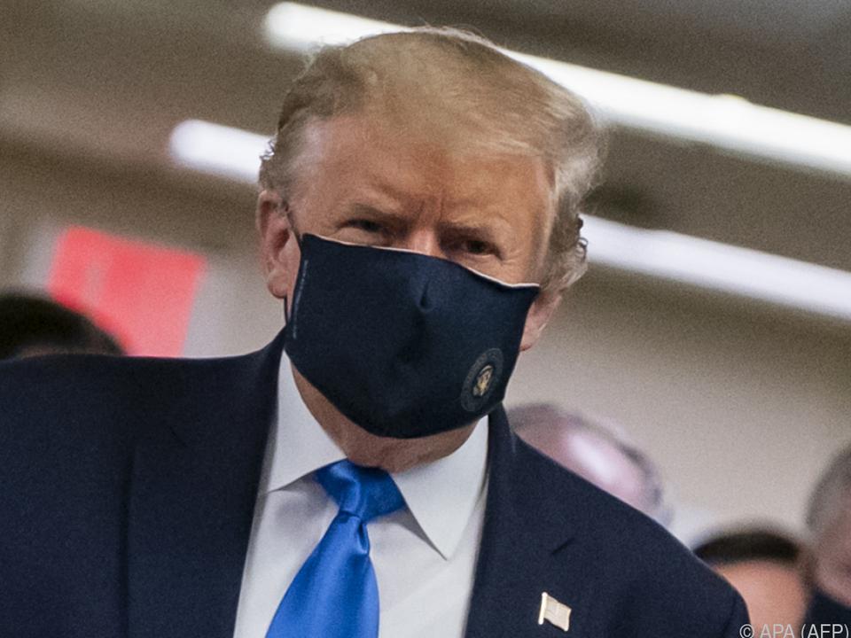 Trumps Sprecherin versucht zu beschwichtigen