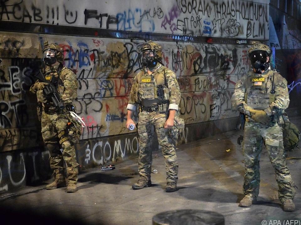 Umstrittene Bundespolizisten werden aus Portland abgezogen