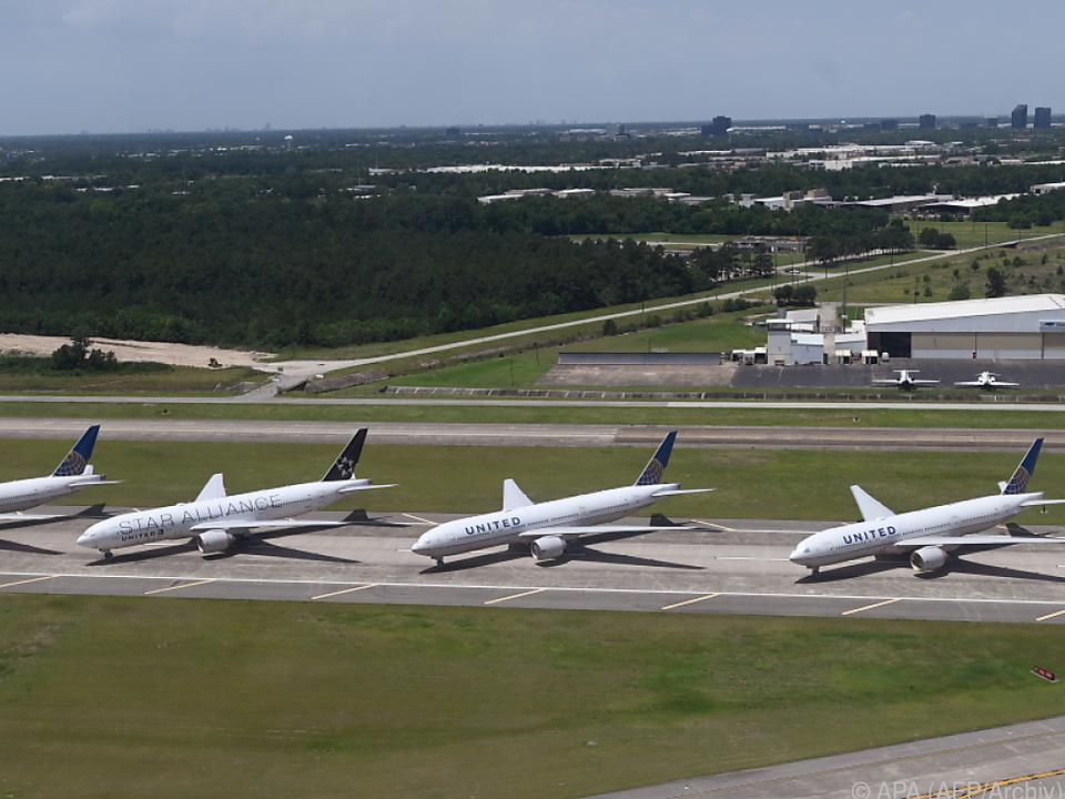 United Airlines kürzt Personal massiv