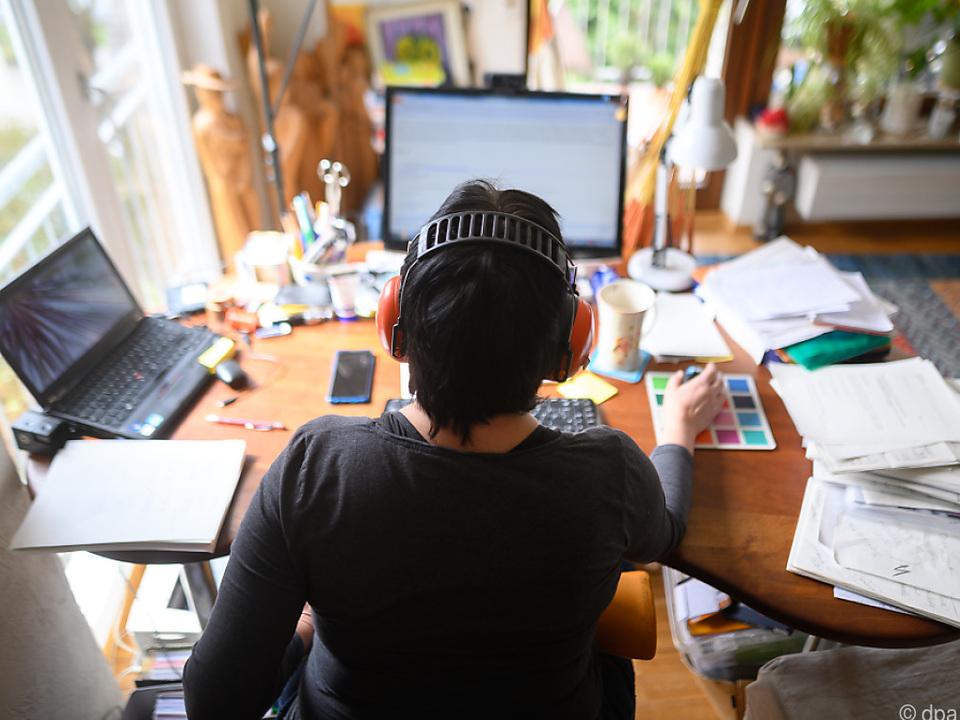 Viele Angestellte wollen auch nach Covid-19 im Homeoffice arbeiten job