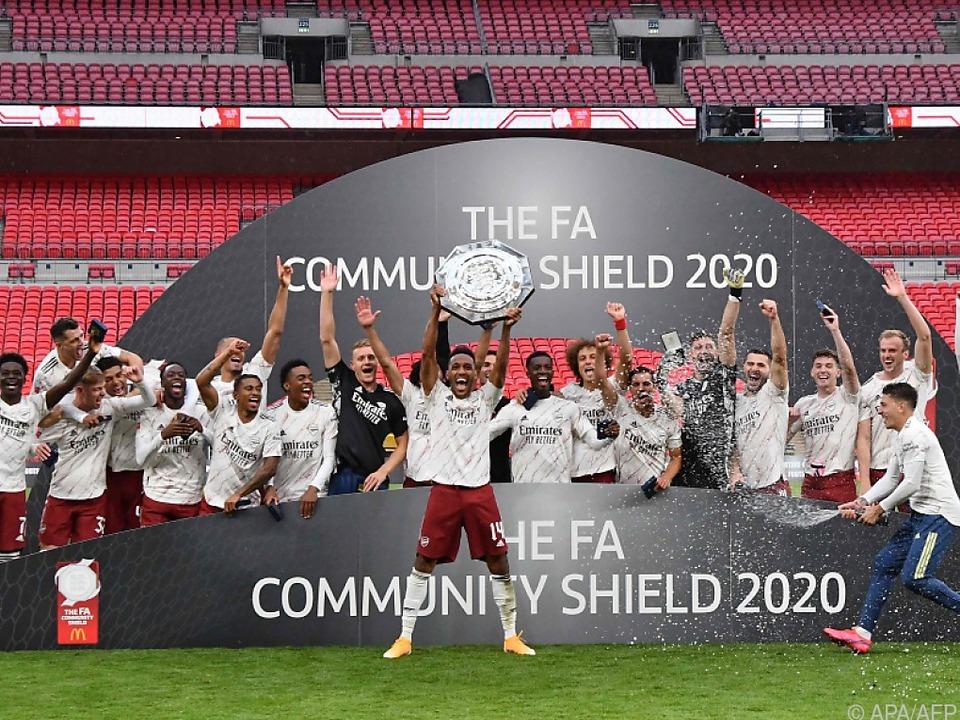 Arsenal-Stürmer Aubameyang stemmt den Community Shield
