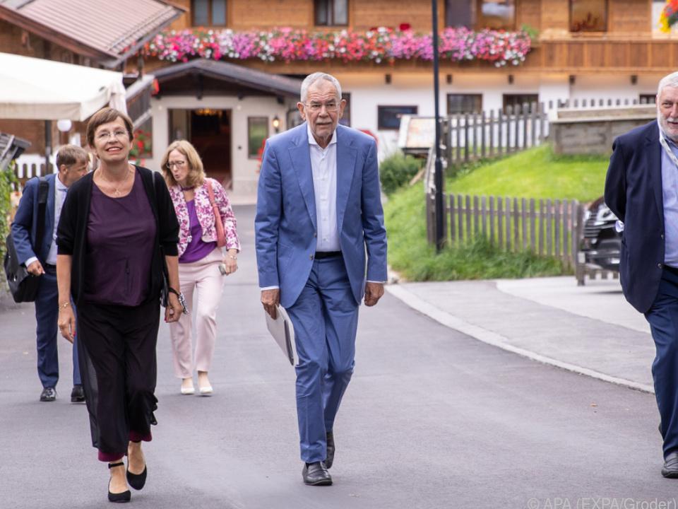 BP Van der Bellen mit seiner Gattin und Forumspräsident Fischler