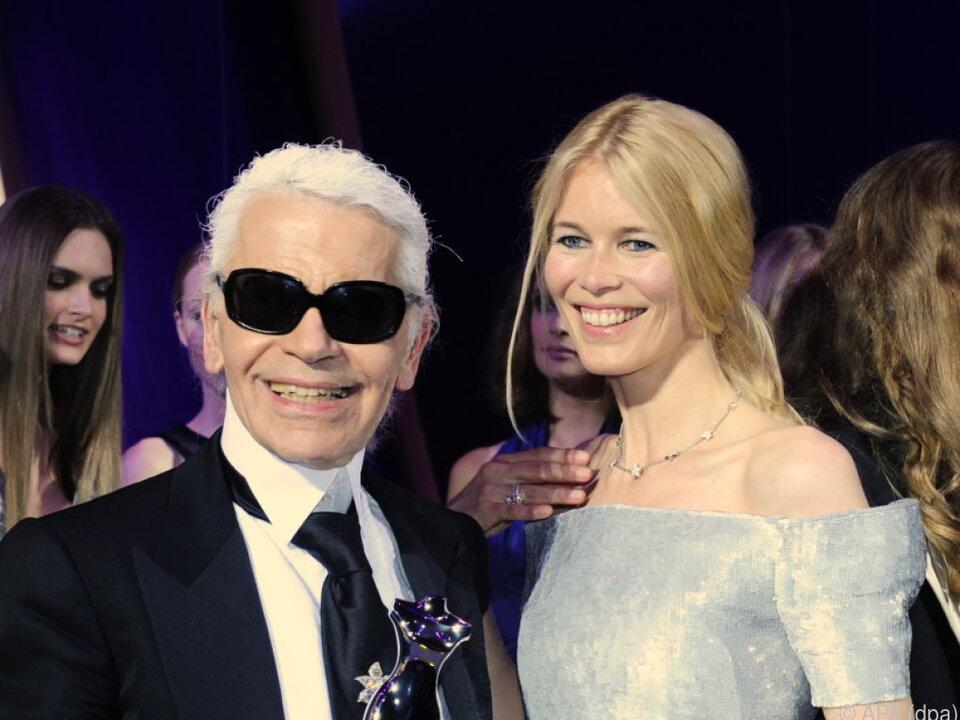 Claudia Schiffer mit Mentor Karl Lagerfeld