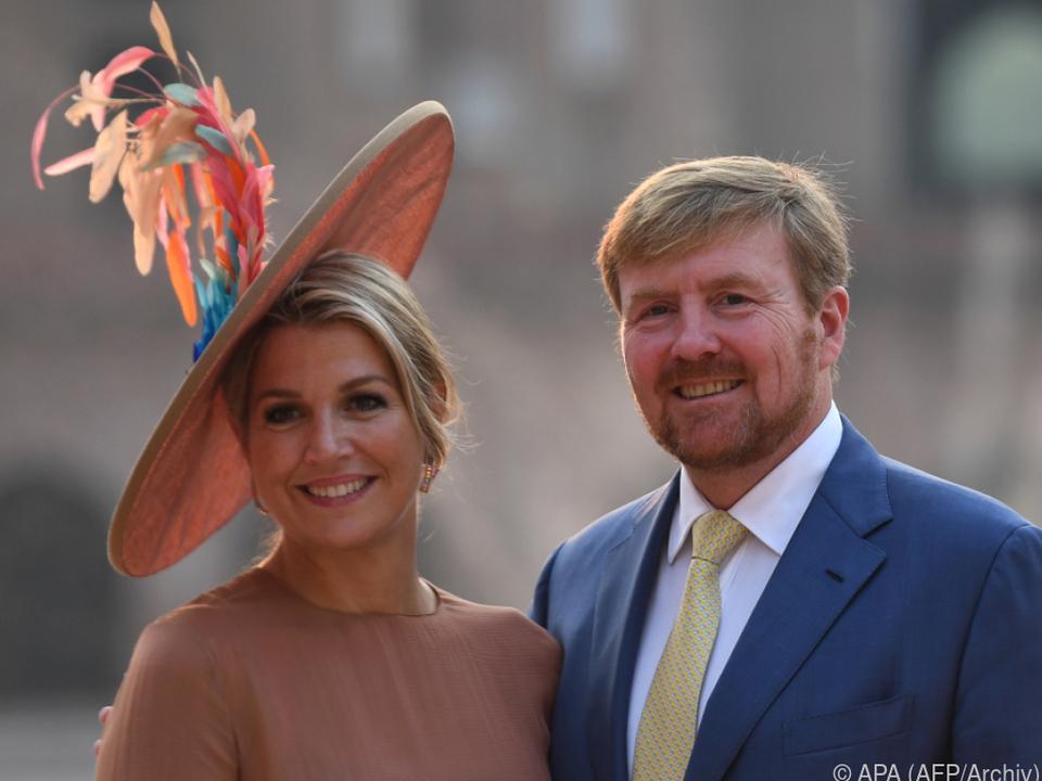 Das Königspaar entschuldigte sich auf Twitter