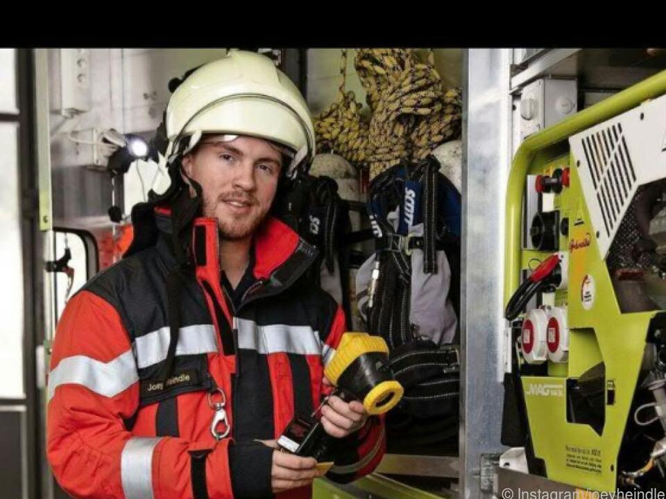 Der Sänger beginnt eine Ausbildung bei der Feuerwehr