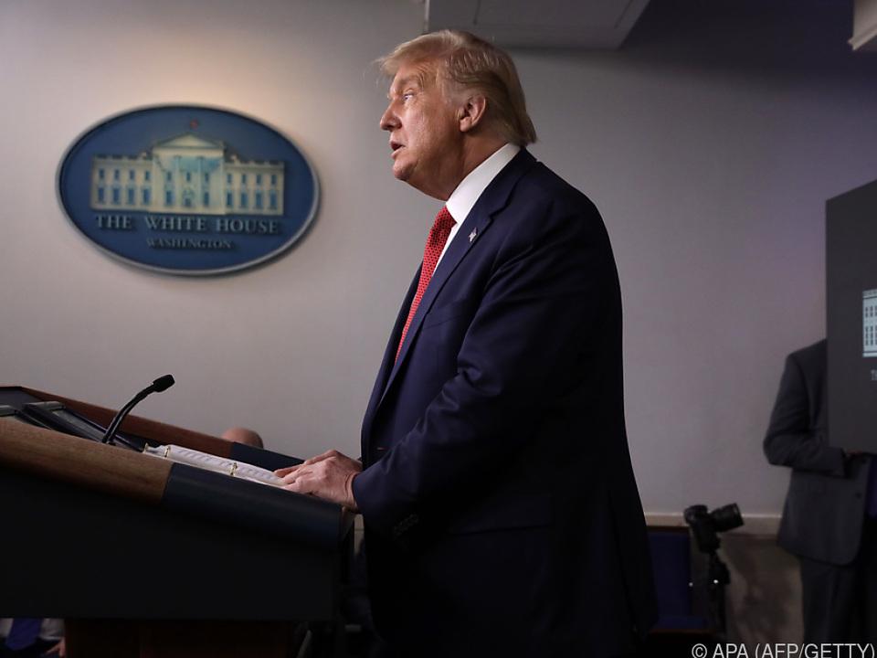 Der US-Präsident bei der Verlautbarung an die Presse