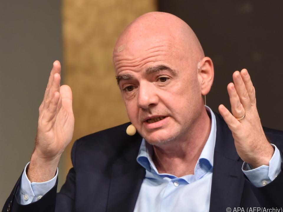 Die FIFA weist die Vorwürfe gegen ihren Vorsitzenden zurück