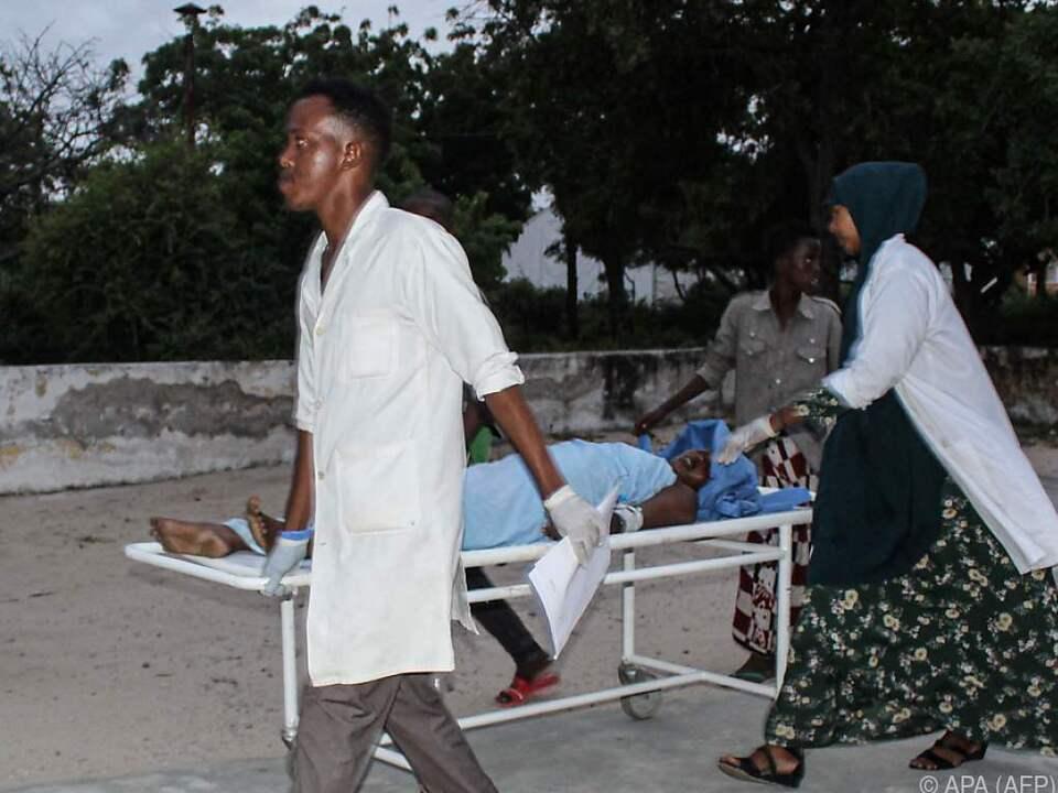 Die islamistische Miliz Al-Shabaab bekannte sich zu der Bluttat