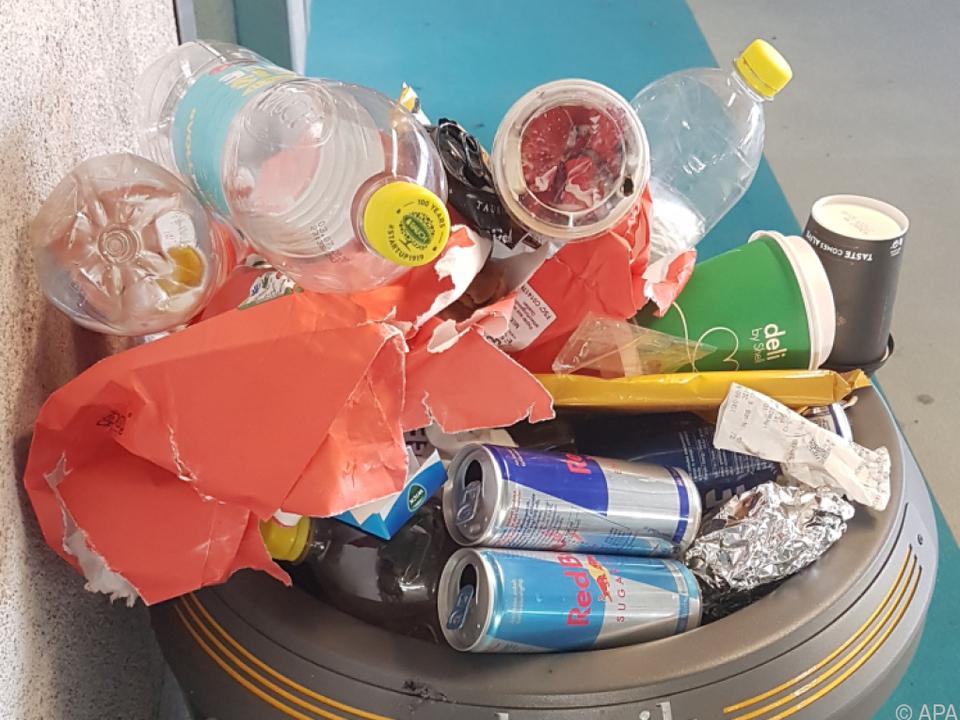 Die Müllberge wachsen immer noch, so Greenpeace abfall