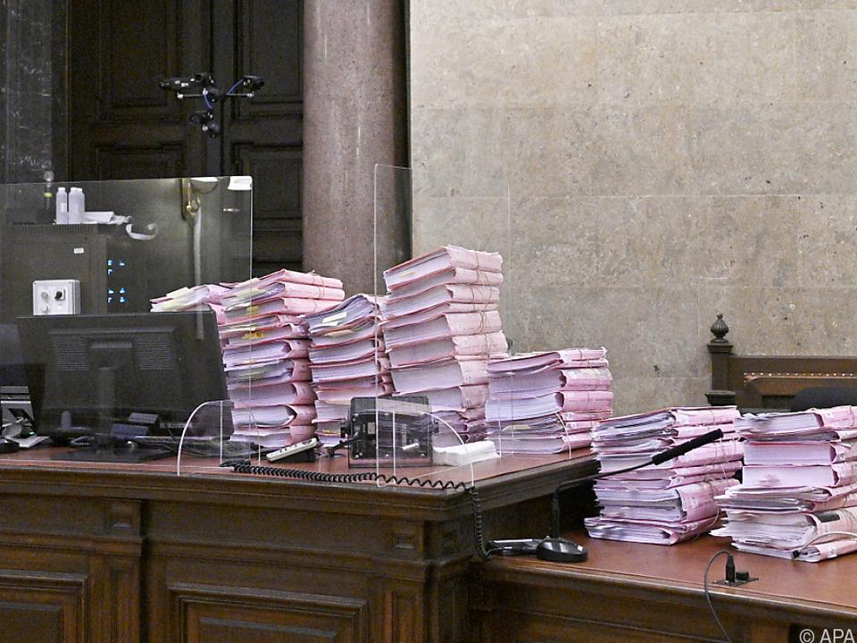 Ein Teil des umfangreichen Strafakts wurde ins Gericht gebracht