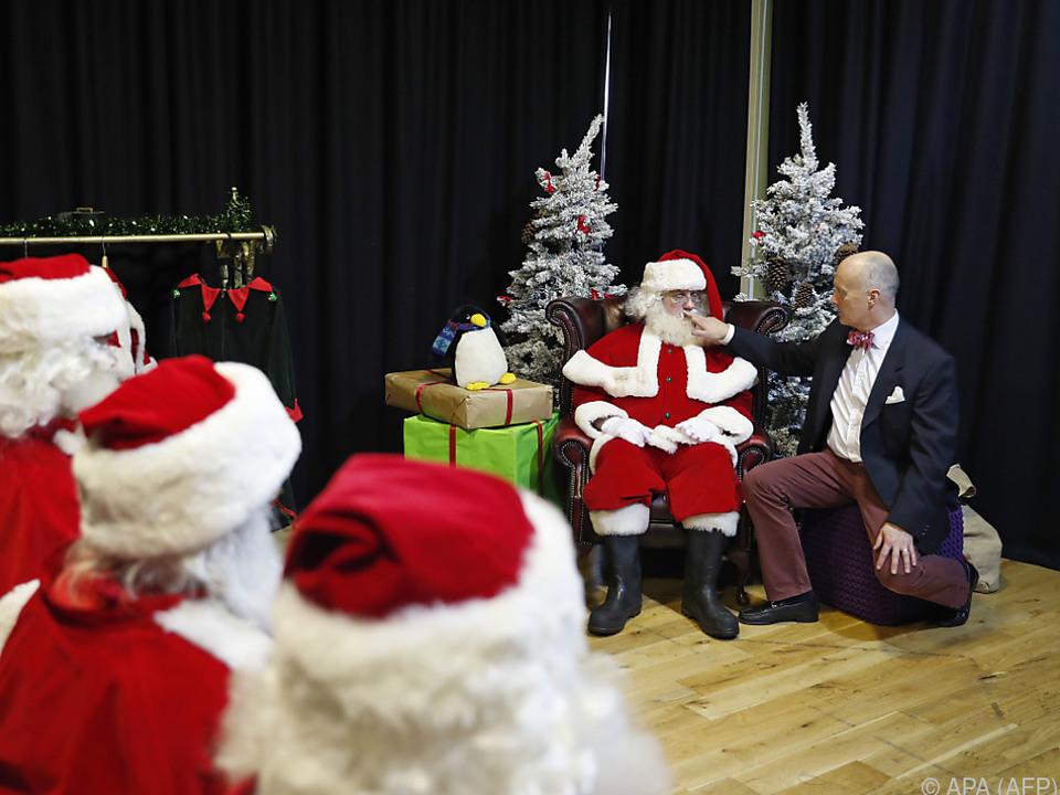Heuer kommt der Weihnachtsmann wohl doppelt maskiert
