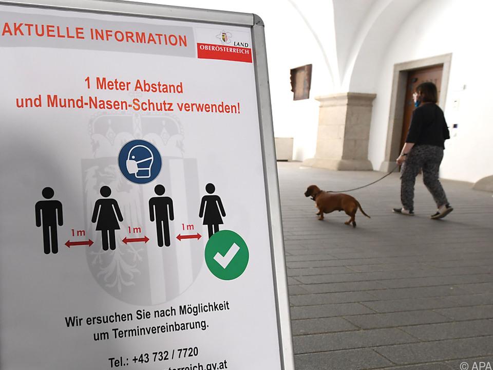 Insgesamt wurden über 21.300 Menschen in Österreich positiv getestet