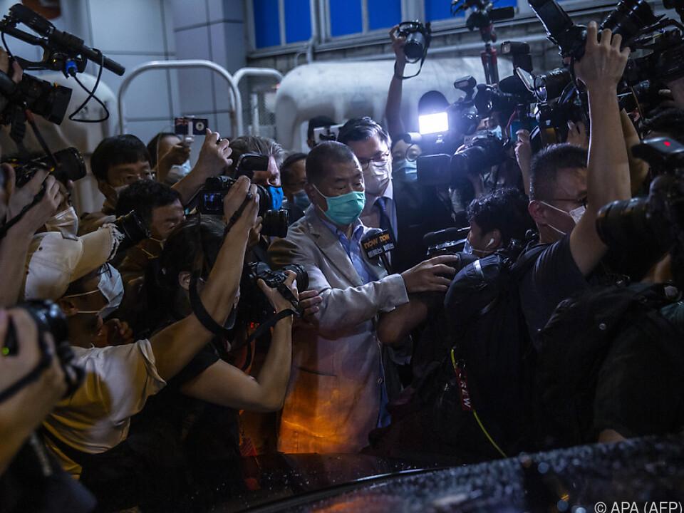 Jimmy Lai verlässt ein Hongkonger Gefängnis gegen Kaution